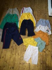 111 Teile Jungenkleidung.