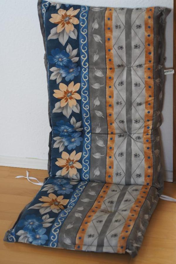 zwei gut erhaltene und wenig gebrauchte sitzauflagen f r. Black Bedroom Furniture Sets. Home Design Ideas