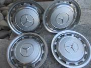 4 alte Mercedes