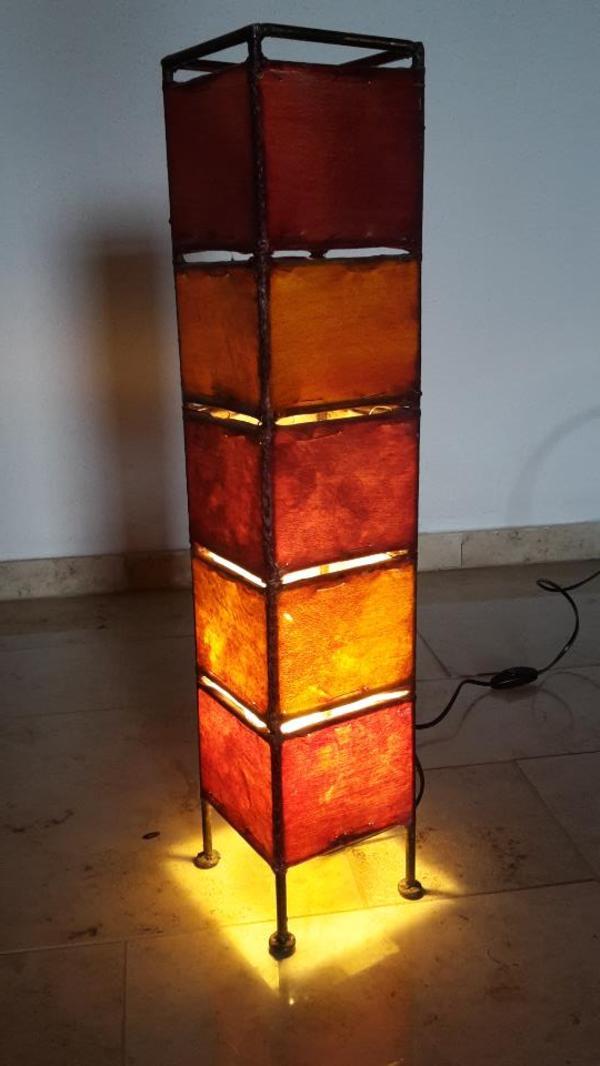 afrikanische stehlampe rot orange in eppingen lampen kaufen und verkaufen ber private. Black Bedroom Furniture Sets. Home Design Ideas