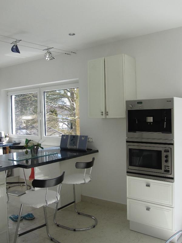 almilm k chenoberschr nke wei hochglanz in m nchen k chenm bel schr nke kaufen und. Black Bedroom Furniture Sets. Home Design Ideas