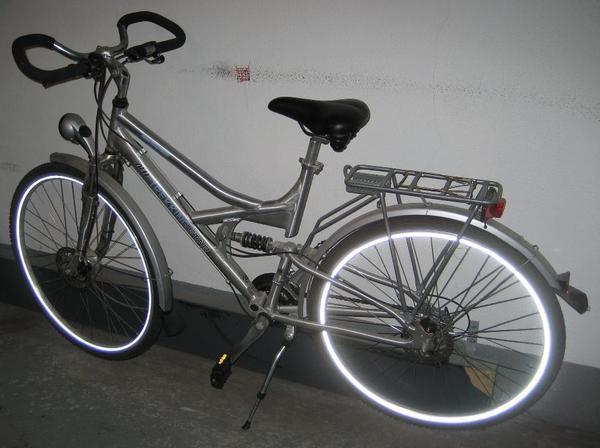 trekking fahrrad neu und gebraucht kaufen bei. Black Bedroom Furniture Sets. Home Design Ideas