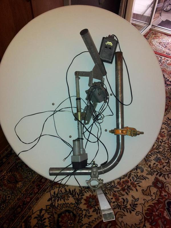 alumi sat sch ssel durchmesser 100cm mit arm und halterung. Black Bedroom Furniture Sets. Home Design Ideas