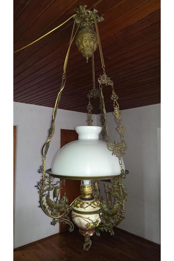 antike messing petroleum h ngeleuchte elektrifiziert in. Black Bedroom Furniture Sets. Home Design Ideas