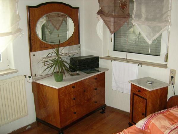 antike betten neu und gebraucht kaufen bei. Black Bedroom Furniture Sets. Home Design Ideas