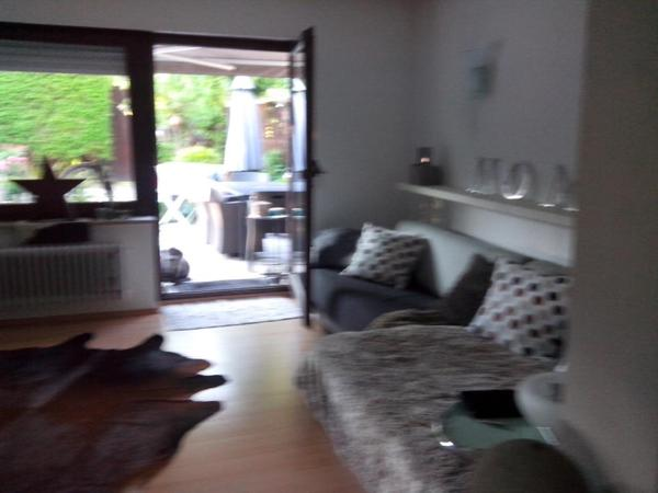 ausgefallene neuwertige couch zuverkaufen in pforzheim. Black Bedroom Furniture Sets. Home Design Ideas