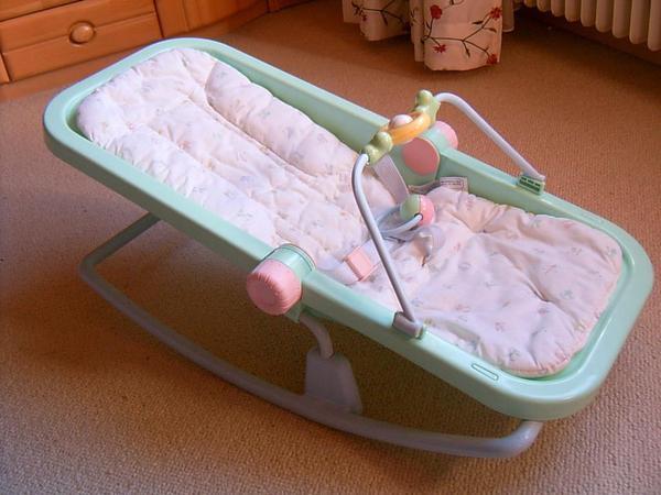 Baby schaukelstuhl in ilvesheim baby und kinderartikel for Schaukelstuhl quoka