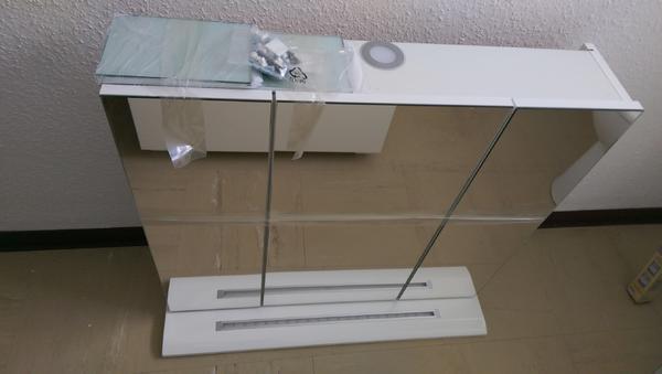 badezimmer spiegel waschbecken unterschrank in hanau bad einrichtung und ger te kaufen und. Black Bedroom Furniture Sets. Home Design Ideas