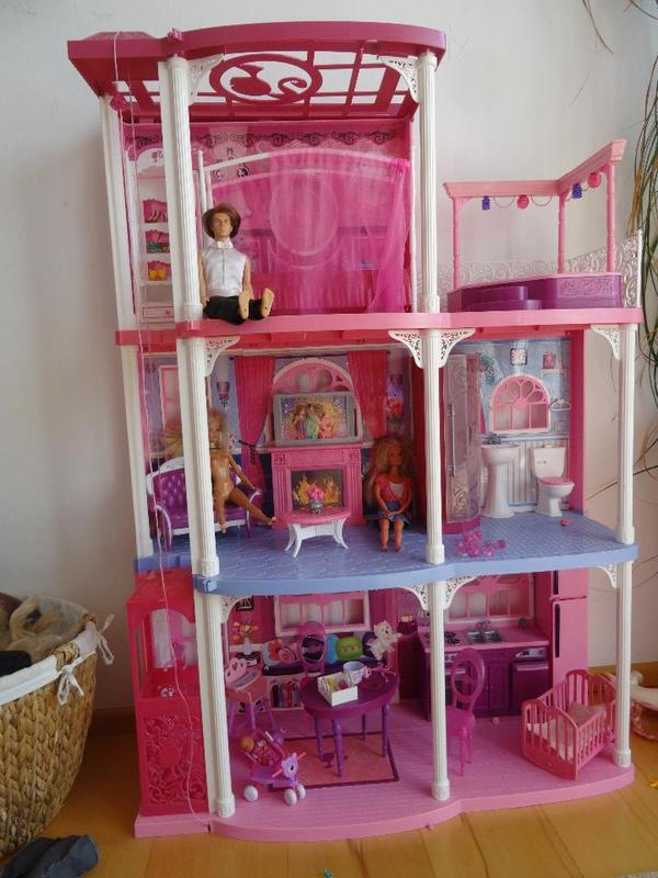 barbie haus villa in ottobrunn puppen kaufen und verkaufen ber private kleinanzeigen. Black Bedroom Furniture Sets. Home Design Ideas