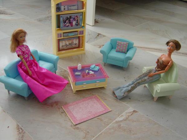 Kostenlose kleinanzeigen kaufen und verkaufen ber private anzeigen bei quoka - Barbie wohnzimmer ...