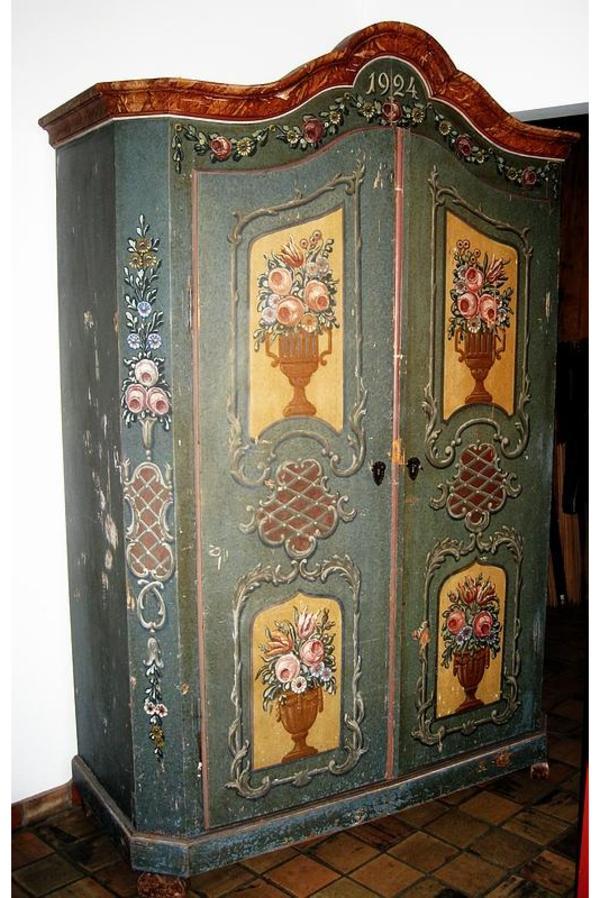 bemalter bauernschrank von 1924 einfach zerlegbar shabby. Black Bedroom Furniture Sets. Home Design Ideas