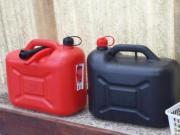 Benzin Kanister zu