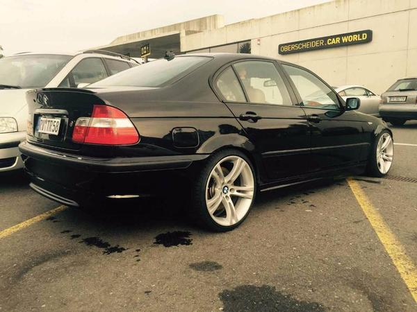 voiture bmw 330d e46 m paket m5 felgen 18 zoll occasion de 2003 pour 2853. Black Bedroom Furniture Sets. Home Design Ideas