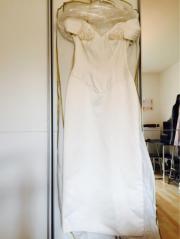 Bodenlanges Brautkleid. Gr.