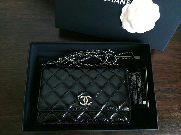 chanel wallet on chain tasche schwarz lack vintage aus der dallas kollektion neu in planegg. Black Bedroom Furniture Sets. Home Design Ideas