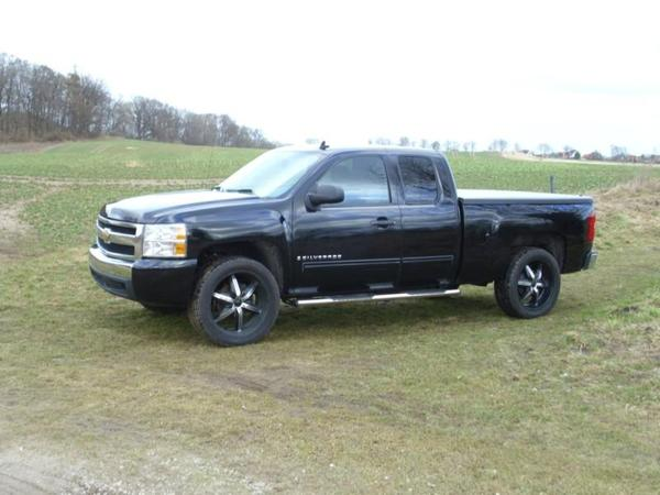 chevrolet silverado ls 4 8l v8 in kolmhof daewoo. Black Bedroom Furniture Sets. Home Design Ideas