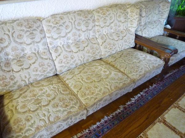 couchgarnitur eiche rustikal inclusiv 2 tischen und lampe. Black Bedroom Furniture Sets. Home Design Ideas