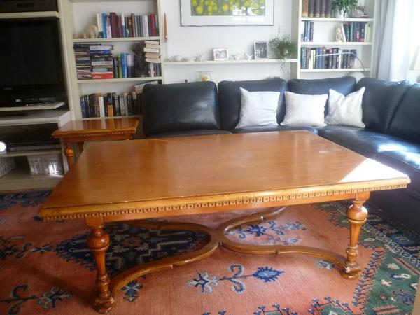 diese m bel finden sie kein zweites mal italienische massivholztische lackiert masse. Black Bedroom Furniture Sets. Home Design Ideas