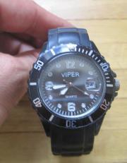 Defekte Armbanduhr von