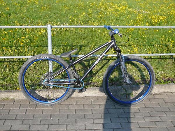 dirt bike fahrrad in gai au mountain bikes bmx r der. Black Bedroom Furniture Sets. Home Design Ideas