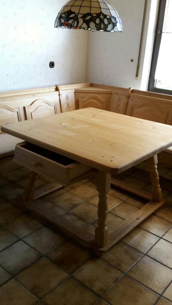 verkaufe echtholz eckbank mit tisch und polster jeweils mit stauraum unter den sitzfl chen f r. Black Bedroom Furniture Sets. Home Design Ideas