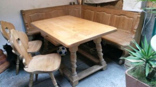 verkaufen unsere allg uer eckbank tisch mit gro er schublade und zwei st hle massivholz. Black Bedroom Furniture Sets. Home Design Ideas