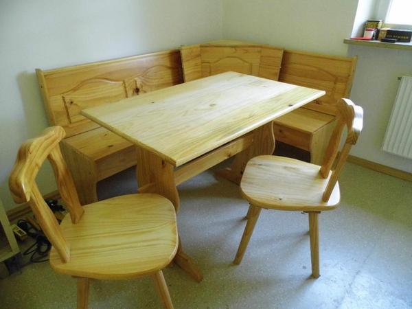 verkaufe eckbank mit tisch und zwei st hlen sehr gut. Black Bedroom Furniture Sets. Home Design Ideas