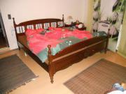 Ehebett aus Holz