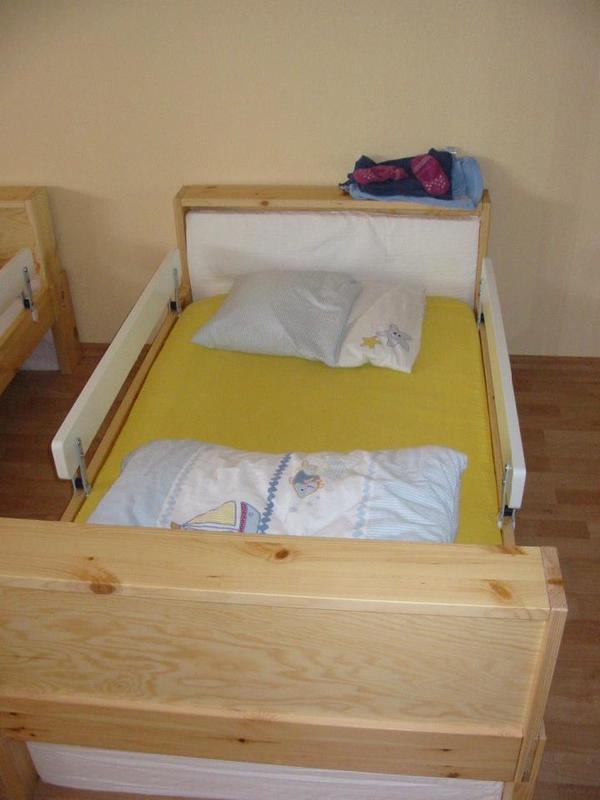 einzelbett f r kinder in hard betten kaufen und verkaufen ber private kleinanzeigen. Black Bedroom Furniture Sets. Home Design Ideas
