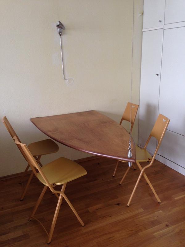 verkaufe meinen klapp esstisch einzelst ck mit vier klappst hlen von mia super f r eine kleine. Black Bedroom Furniture Sets. Home Design Ideas