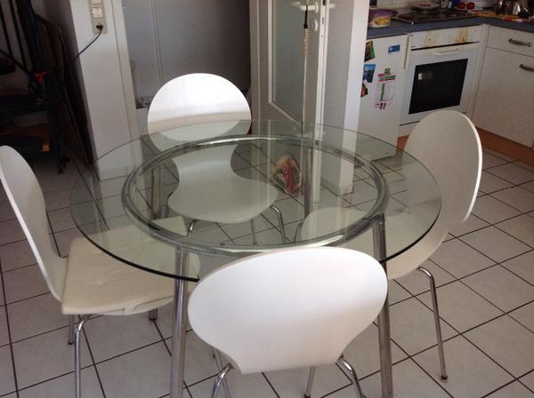rund esstisch von glas mit 4 st hle und beine aus metal neupreis von ikea im 2010 150 eur. Black Bedroom Furniture Sets. Home Design Ideas