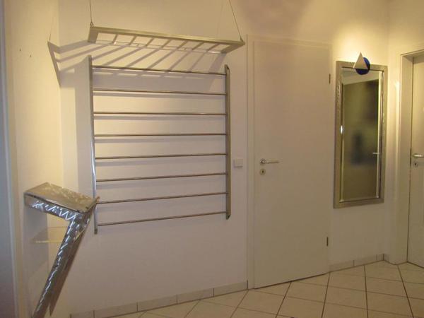 Garderobe aus aluminium und edelstahl einzelst ck in for Gebrauchte garderobe