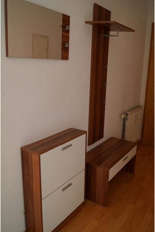 Garderobe nussbaum top zustand in wiesloch garderobe for Garderobe quoka