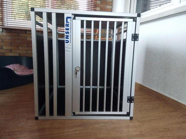 gro e hundebox xl f r fahrzeug oder wohnung geeignet in puschendorf zubeh r f r. Black Bedroom Furniture Sets. Home Design Ideas