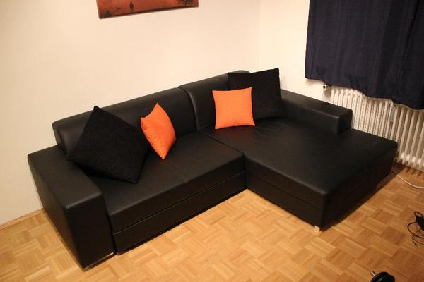 gro e schwarze couch und couchtisch in m nchen polster sessel couch kaufen und verkaufen. Black Bedroom Furniture Sets. Home Design Ideas