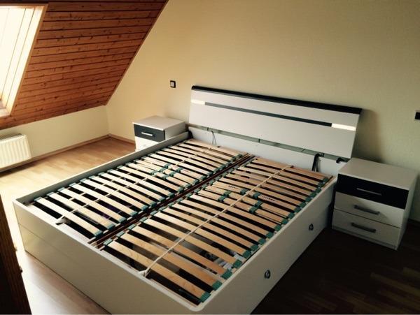 gro es bett zu verkaufen nagelneu in bobenheim roxheim schr nke sonstige schlafzimmerm bel. Black Bedroom Furniture Sets. Home Design Ideas