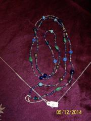 Halskette in blau,
