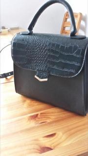 Handtasche Schwarz zu