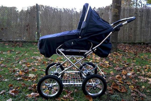 hesba condor coup cabrio dunkelblau in m nchen kinderwagen kaufen und verkaufen ber private. Black Bedroom Furniture Sets. Home Design Ideas