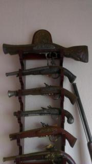 Historische Deko Waffensammlung