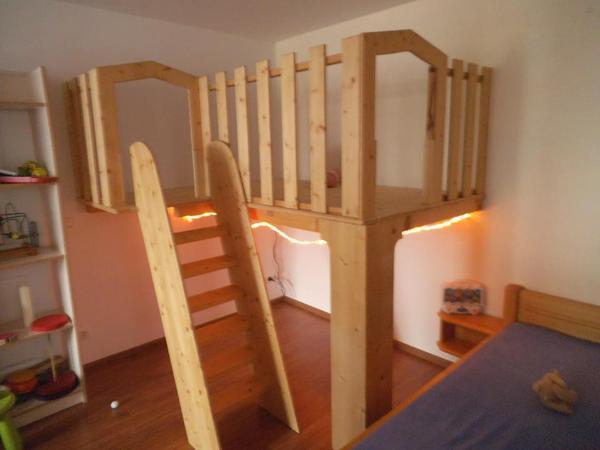 Hochbett spieleinsel in erlangen kinder jugendzimmer for Jugendzimmer naturholz