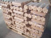 Holzpellets Brennholz Holzbriketts