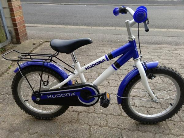 hudora 16 zoll kinder fahrrad blau weiss in kleinostheim. Black Bedroom Furniture Sets. Home Design Ideas