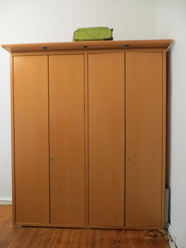 h lsta kleiderschrank in berlin schr nke sonstige. Black Bedroom Furniture Sets. Home Design Ideas