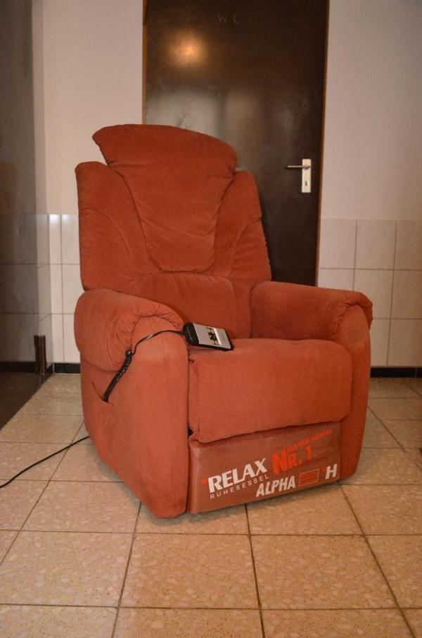 hukla sessel elektrisch verstellbar sehr guter zustand in pfinztal polster sessel couch. Black Bedroom Furniture Sets. Home Design Ideas