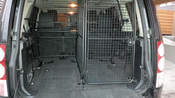 hundebox f r landrover discovery 4 in hessigheim kaufen. Black Bedroom Furniture Sets. Home Design Ideas