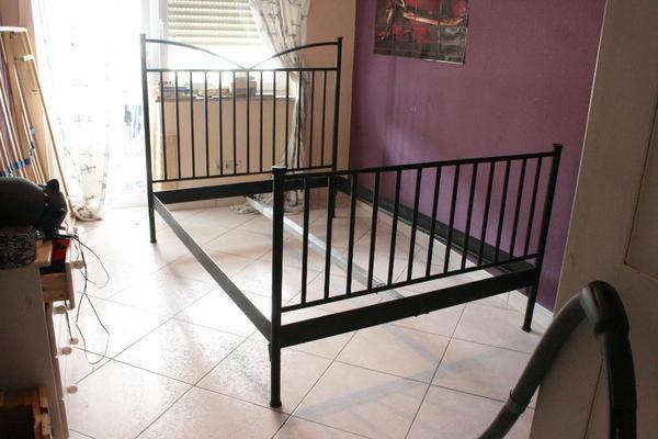 ikea bett halden metallbett in gorxheimertal betten kaufen und verkaufen ber private. Black Bedroom Furniture Sets. Home Design Ideas