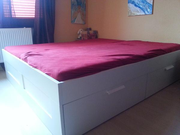 ikea doppelbett mit 4 bettk sten in hannover ikea m bel. Black Bedroom Furniture Sets. Home Design Ideas