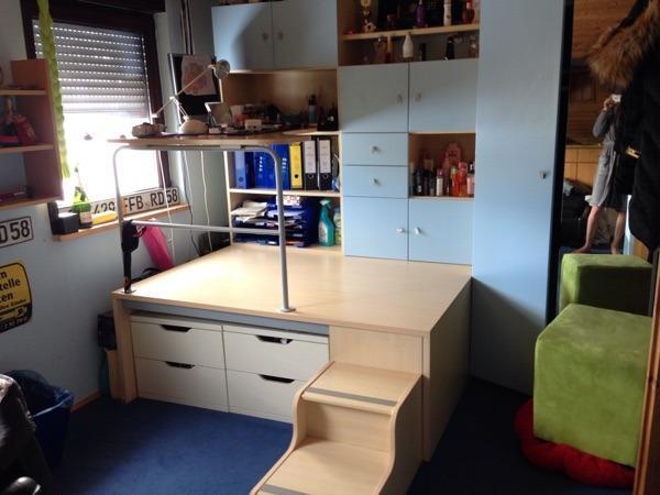 jugendzimmer podest kinder kleiderschrank in m nchen kinder jugendzimmer kaufen und verkaufen. Black Bedroom Furniture Sets. Home Design Ideas