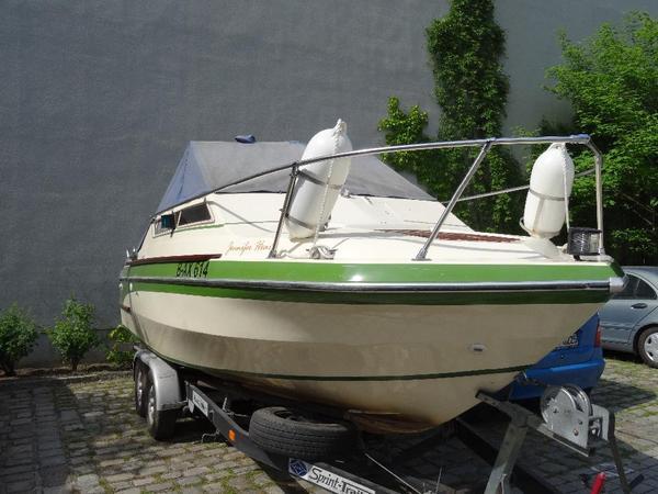 kaj tboot motorboot glastron bal harbor v225 in berlin motorboote kaufen und verkaufen ber. Black Bedroom Furniture Sets. Home Design Ideas